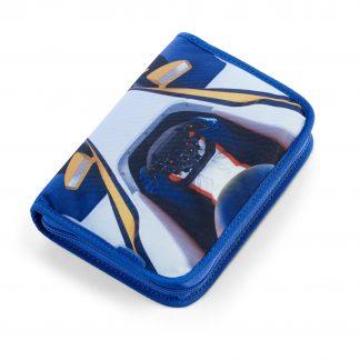 blåt penalhus med racerbil