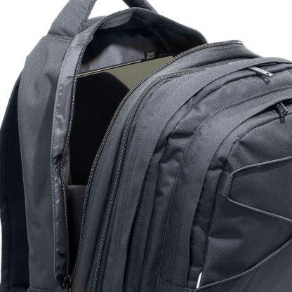 327-51 Black SUPERB har god plads til pc i den polstrede lomme